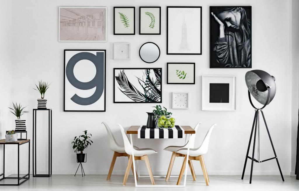 pared con cuadros